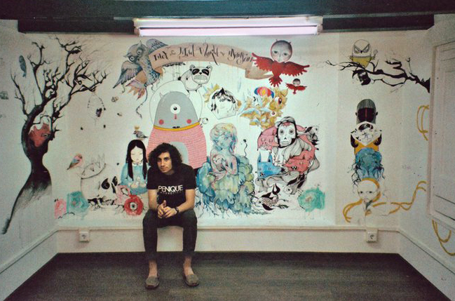 Chamo San at the exhibition, photography by Denisse García