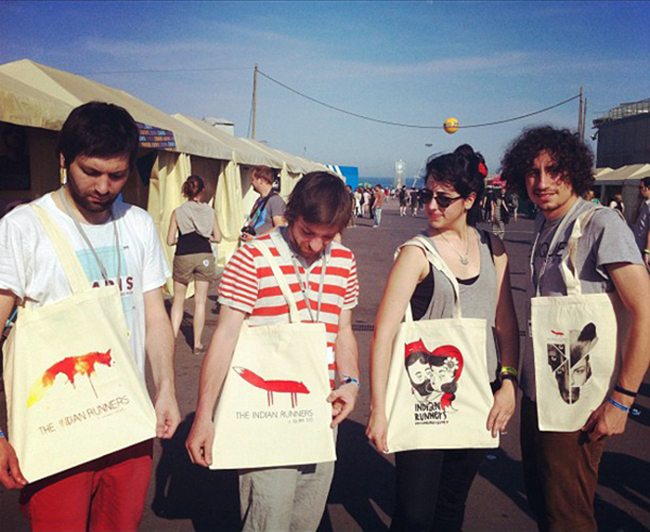 Tocafusta team at Primavera Sound 12 with The Indian Runners tote bags
